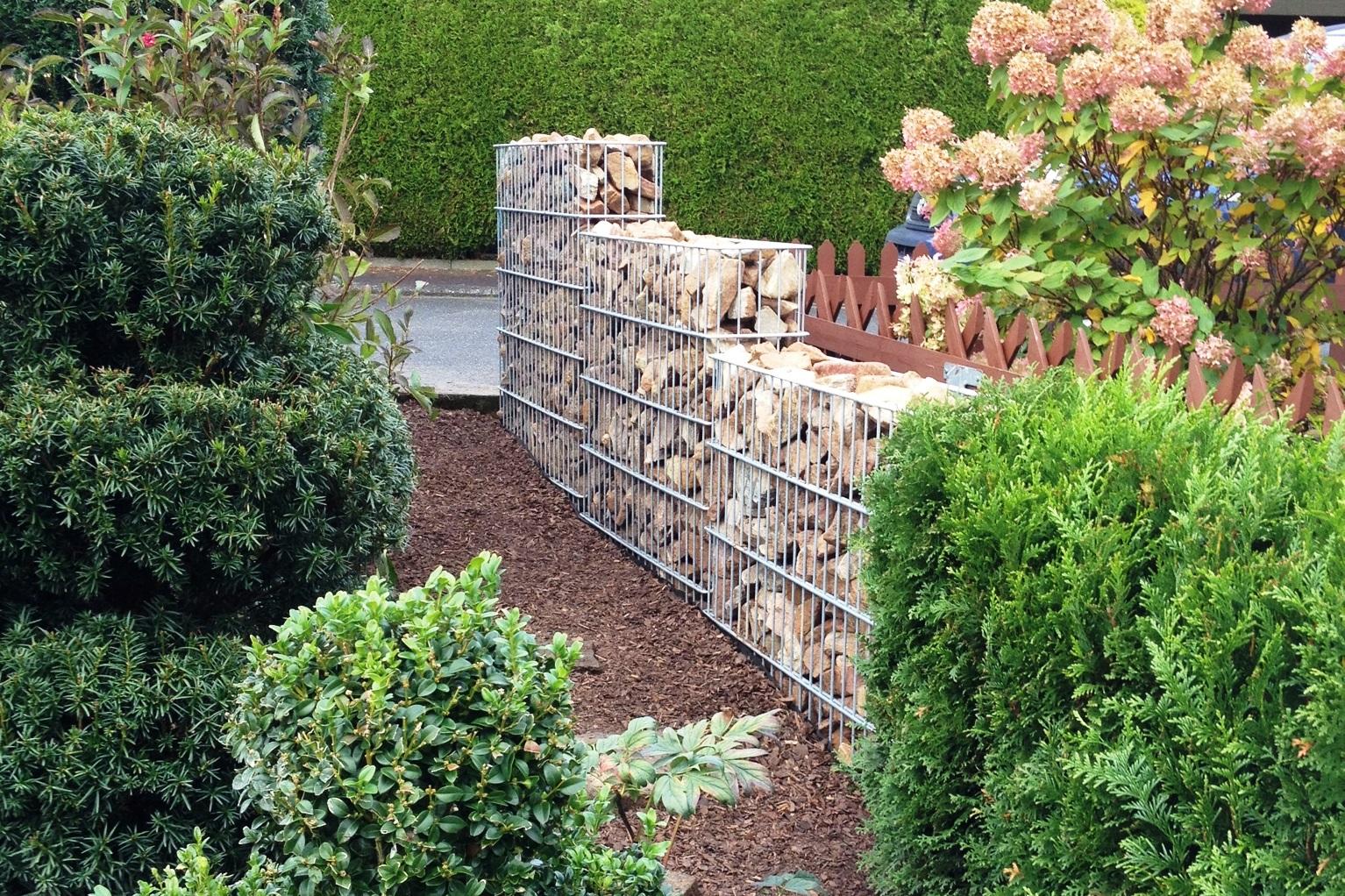 zaunbau vom profi wir errichten ihren zaun galabau nix. Black Bedroom Furniture Sets. Home Design Ideas